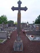 croix-du-cimetiere-au-centre